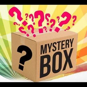 8 pc 12-18 m baby girl clothing mystery box